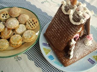 Mince pies and gingerbread house
